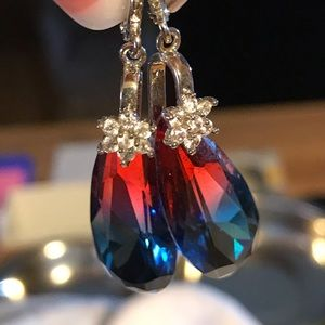 Jewelry - Beautiful Earings Crystal red and blue🦋